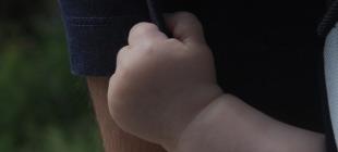 La rivoluzione del babywearing